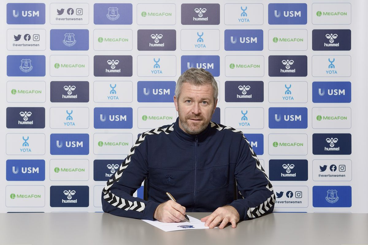 Willie Kirk Signs a New Contract as Manager of Everton Women