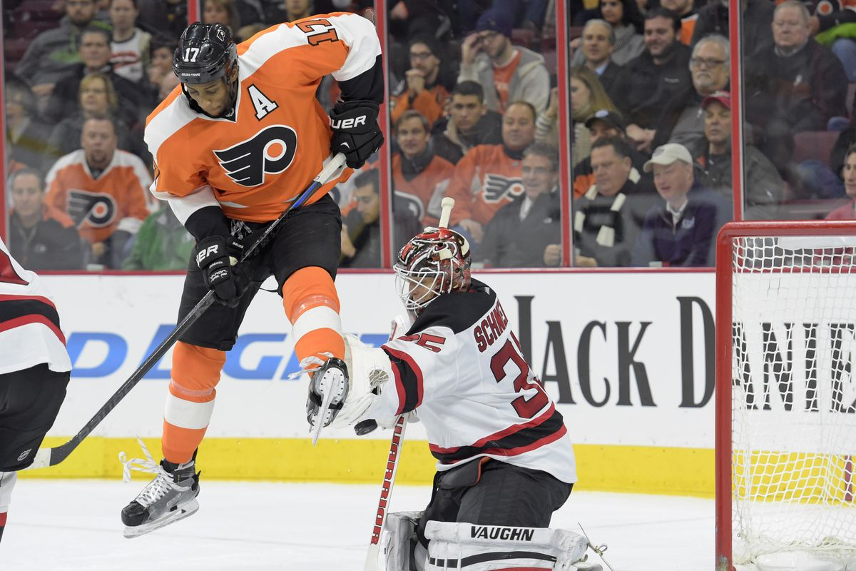 Note that no one was on Simmonds here.