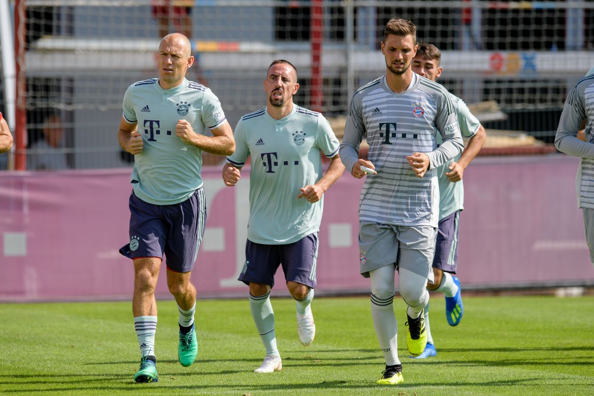 7622aa2f149c Bayern Munich officially unveil new away kits during training ...