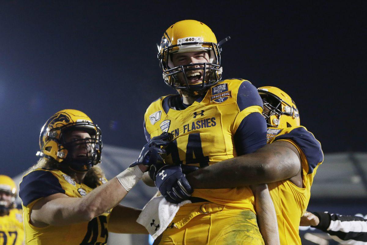 NCAA橄榄球赛:弗里斯克碗-犹他州立大学vs肯特州立大学