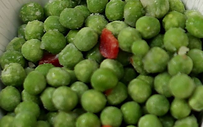 Four ounces of peas contain 8 grams of protein| Photo by Justin Sullivan/Getty Images