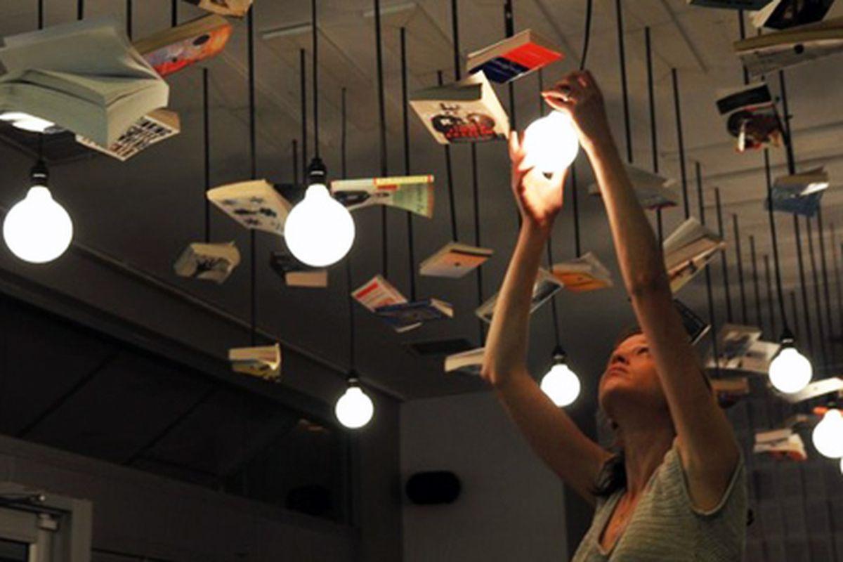 "McNally Jackson's new lighting scheme via the store's <a href=""http://twitter.com/mcnallyjackson/status/6412624880"">Twitter</a>"