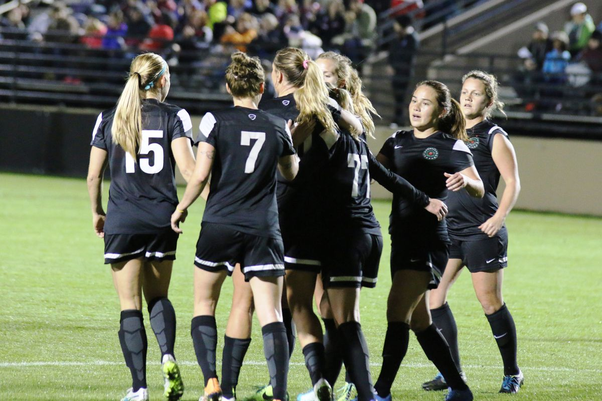 Portland Thorns FC will look to regroup following a first loss of the season last weekend.