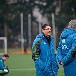 Hanauer and Sigi looking over training
