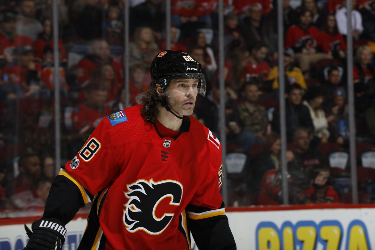official photos 7fc90 b27ee Jaromir Jagr leaves Calgary Flames, will play in the Czech ...