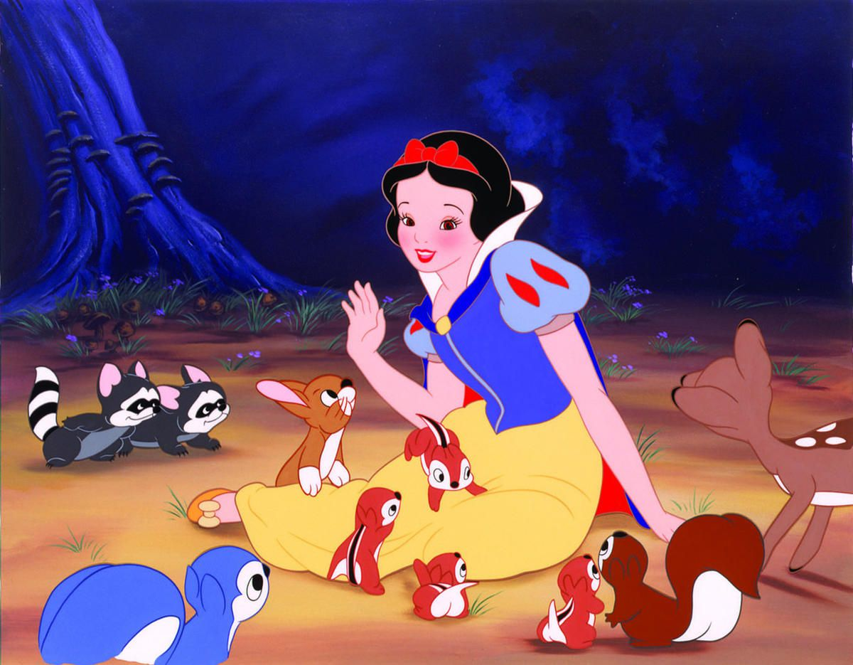 """Snow White in """"Snow White and the Seven Dwarfs."""" The Hollywood Reporter recently announced that Disney is working on a movie about Snow White's sister, Red Rose."""