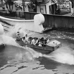 """The """"Shoot the Chutes"""" ride at Riverview Park in 1928.   Sun-Times Archives"""