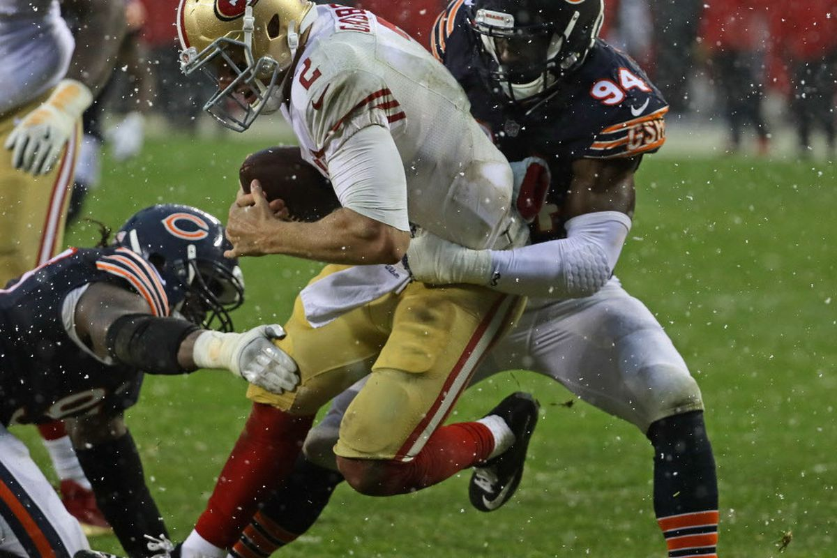 b2cc4ec3529 Bears rookie outside linebacker Leonard Floyd (94, sacking the 49ers Blaine  Gabbert for a safety) is not expected to play against the Vikings because  of a ...