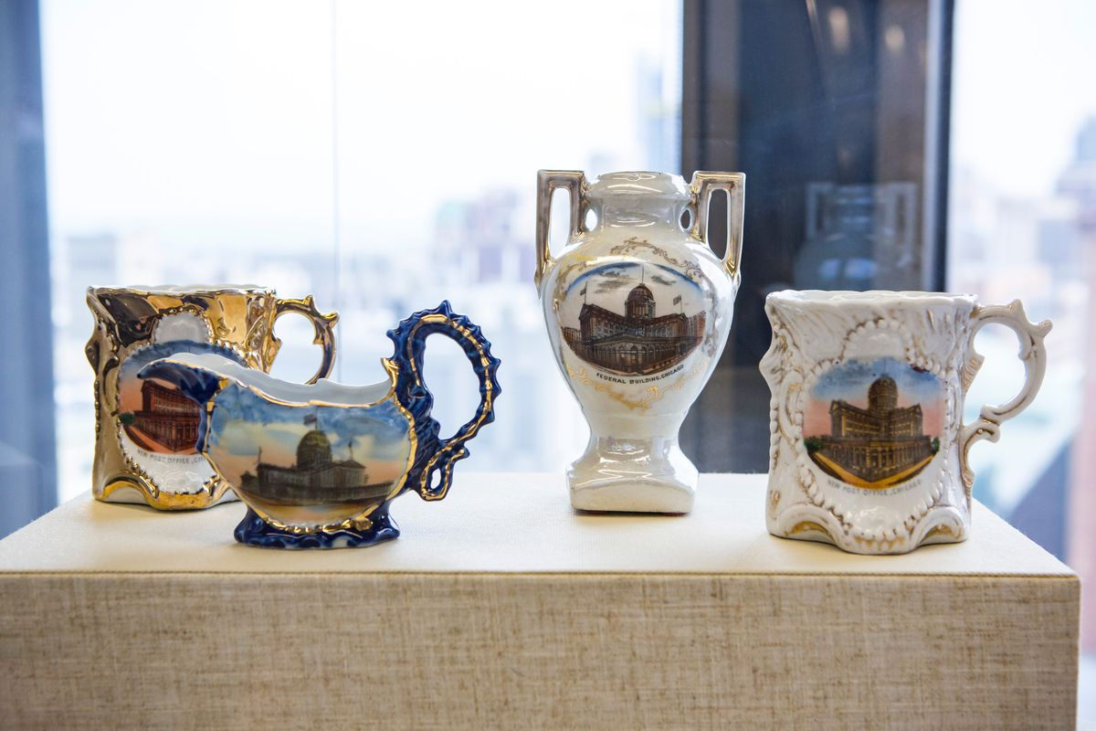 A new federal courts museum features porcelain with images of the Cobb Federal Building that was created to be memorabilia for the 1893 World's Fair. | James Foster/For the Sun-Times