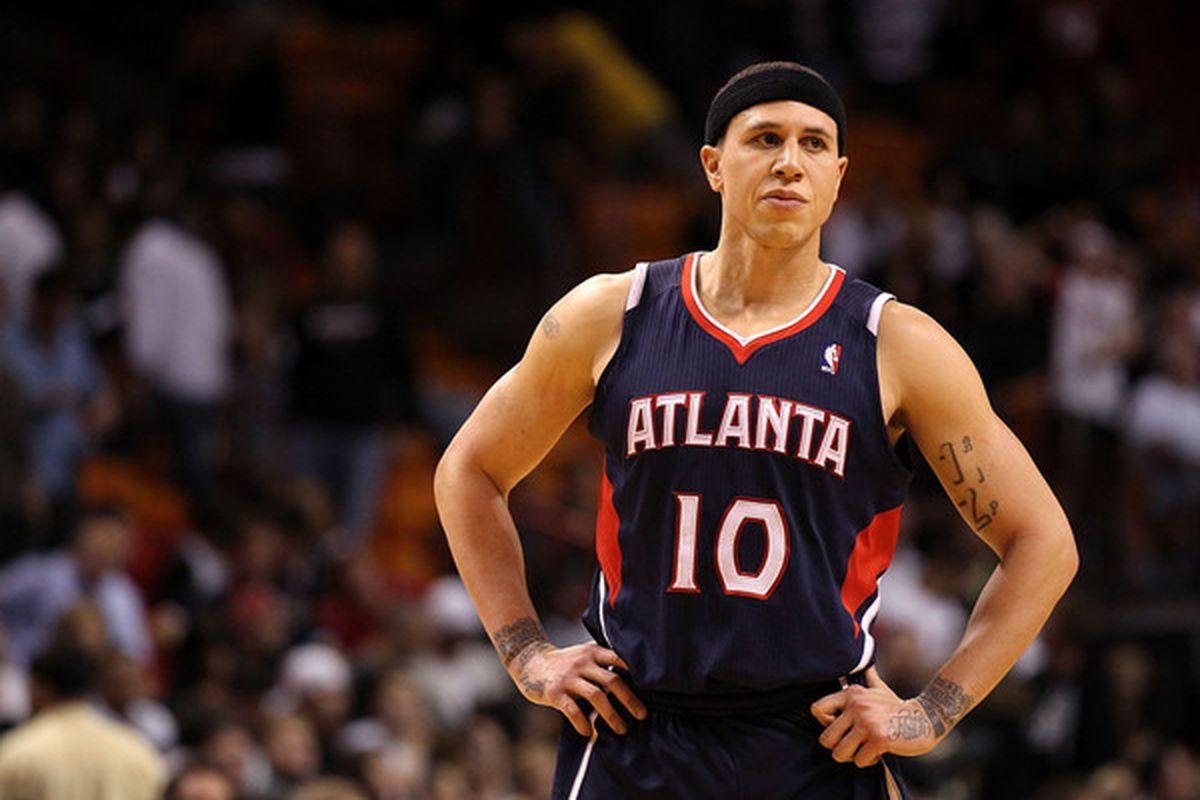 Former Arizona basketball guard Mike Bibby wants to return to NBA