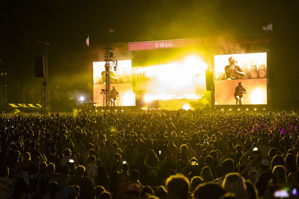 Thousands watch Post Malone perform Saturday night on day three of Lollapalooza in Grant Park.