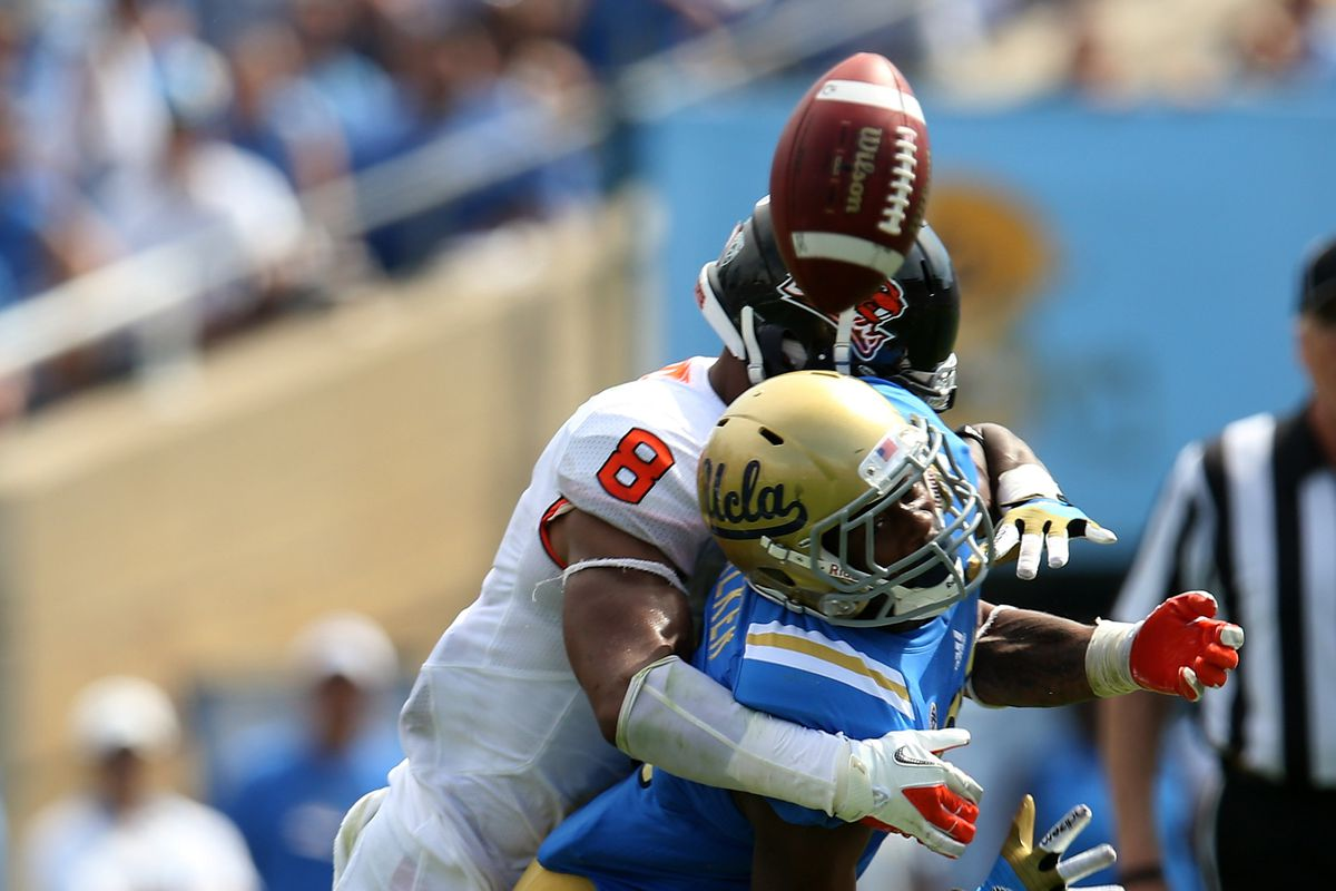 How To Watch Oregon State Beavers At Ucla Bruins Keys To The Game