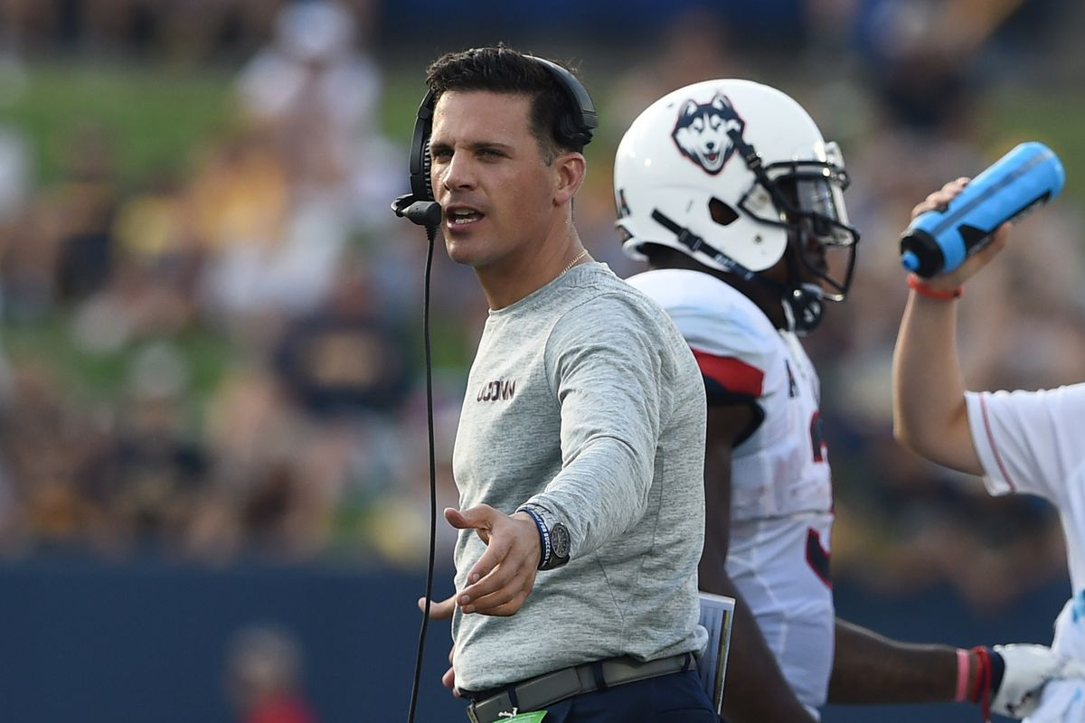 Bob Diaco's Huskies mounted the perfect comeback, until that coaching miscue with 17 seconds remaining.
