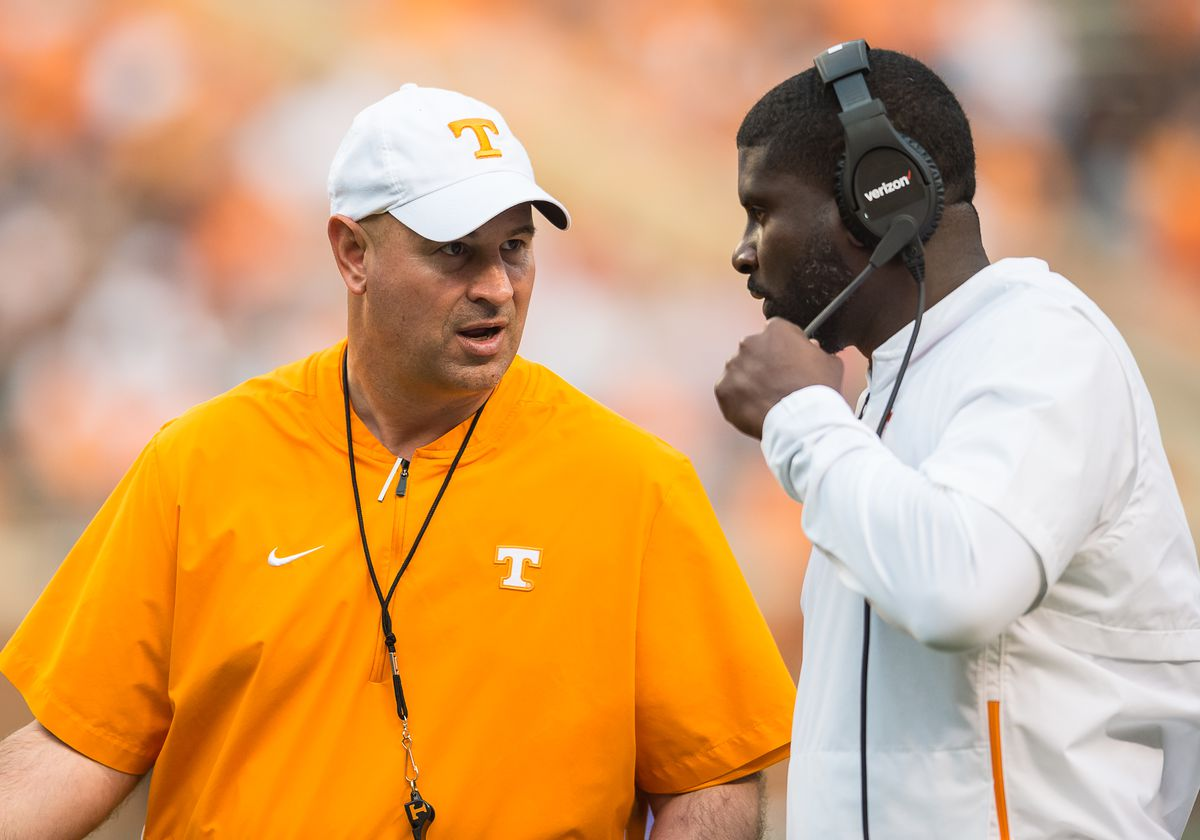 """<p zoompage-fontsize=""""15"""" style="""""""">COLLEGE FOOTBALL: APR 13 Tennessee Orange &amp; White Game"""