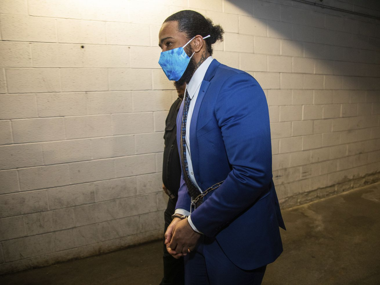 Former Pittsburgh Pirates pitcher Felipe Vazquez is led to the Westmoreland County Courthouse.