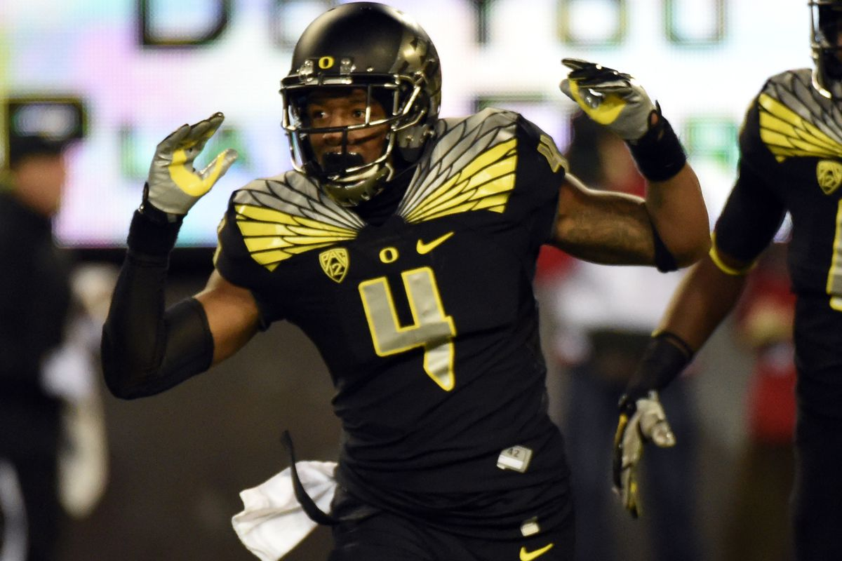 Erick Dargan is one of Oregon's best players. He spread his wings Saturday.