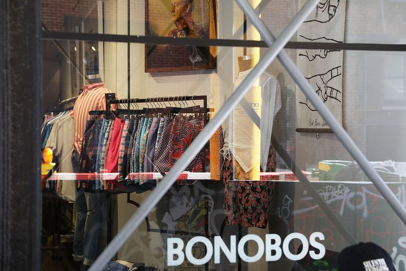Clothing retailers like Bonobos, Everlane, and Reformation are all cashless.