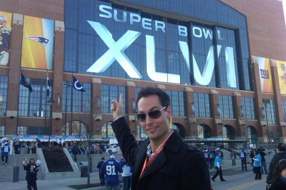 """Jeff Foster arrives at Lucas Oil Stadium for the Super Bowl (via <a href=""""https://twitter.com/#!/Pacers/status/166272327078780928/photo/1"""" target=""""new"""">@Pacers</a>)"""