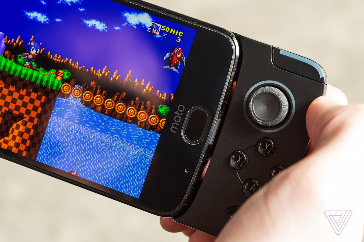The Gamepad Moto Mod is a good idea in search of games - The Verge
