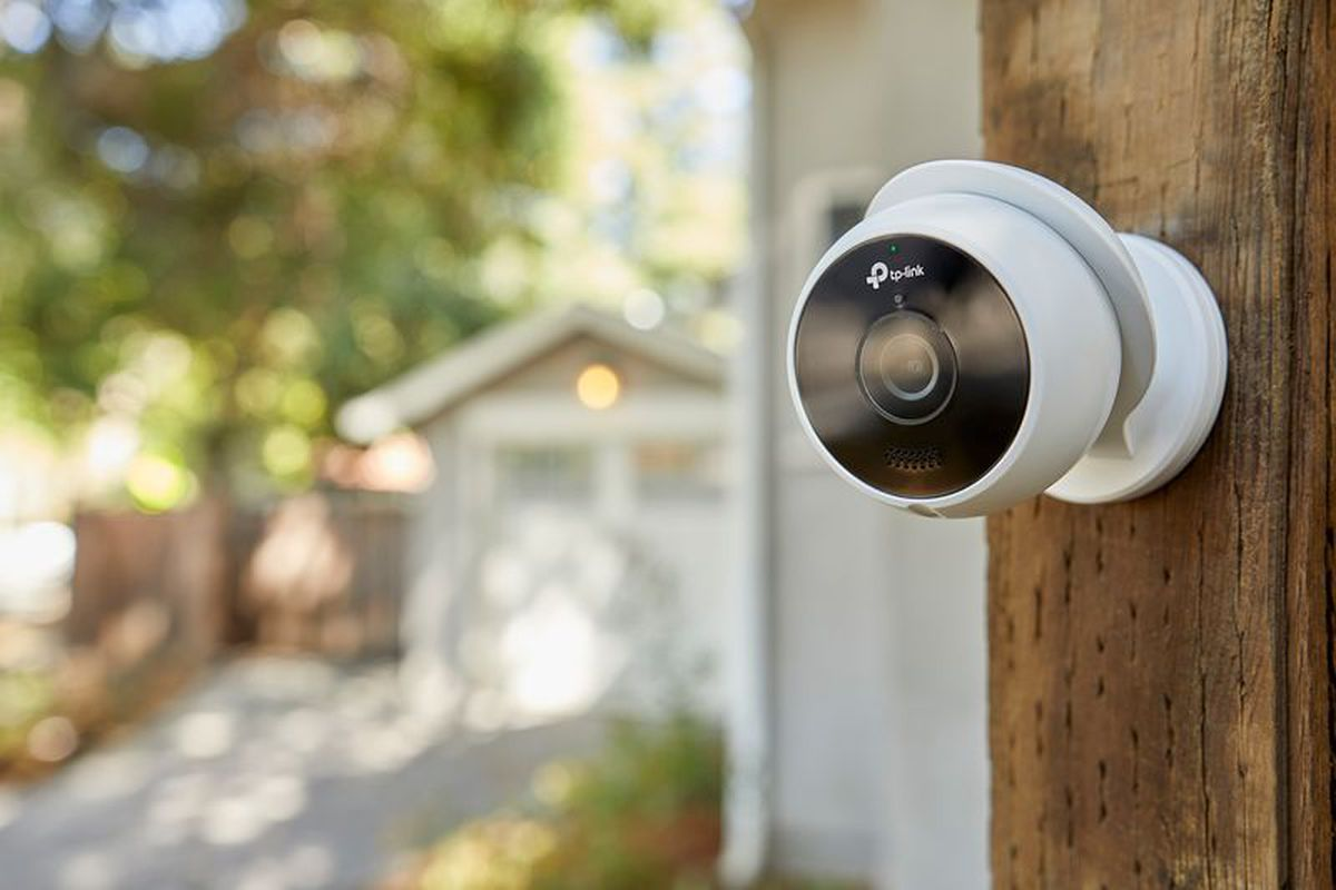 Kasa Smart's new outdoor security cam and smart Wi-Fi plug