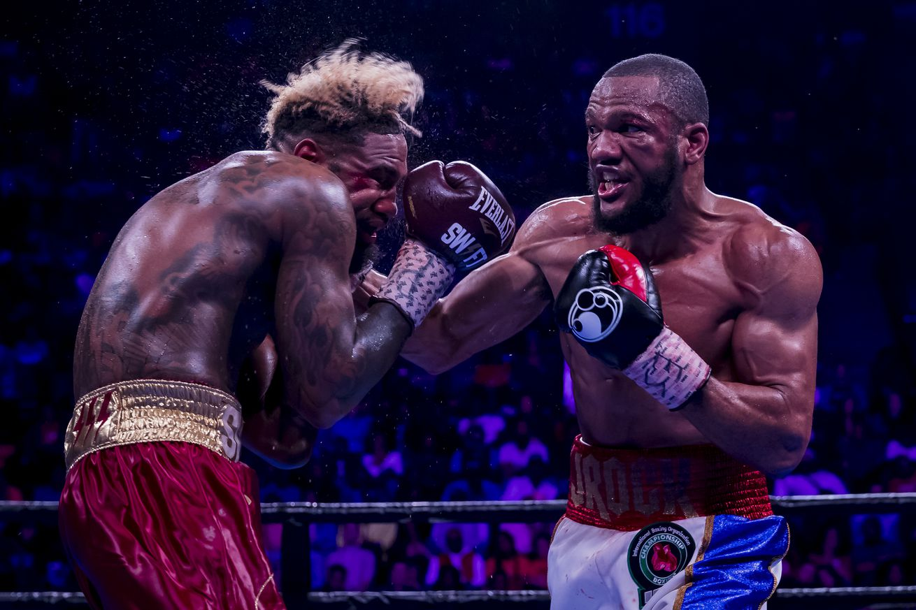 GettyImages 1143151806.5 - Williams upsets Hurd to win WBA and IBF titles