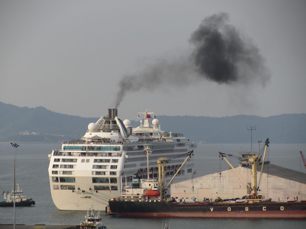 Cruises are bad for the environment and aren't safe - Vox