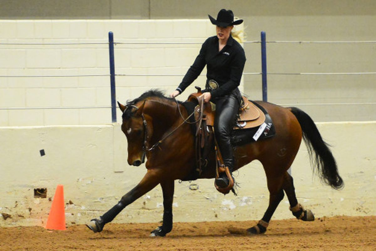 Hailey Munger competes in Western Reining