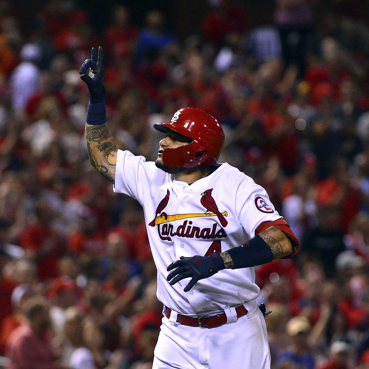 finest selection 1fa91 621d3 Yadier Molina wins 2018 Roberto Clemente Award - A Hunt and ...