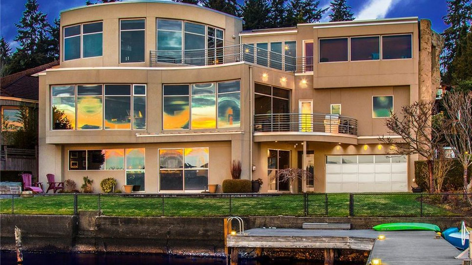 play in and on a kirkland waterfront home for 4 8m