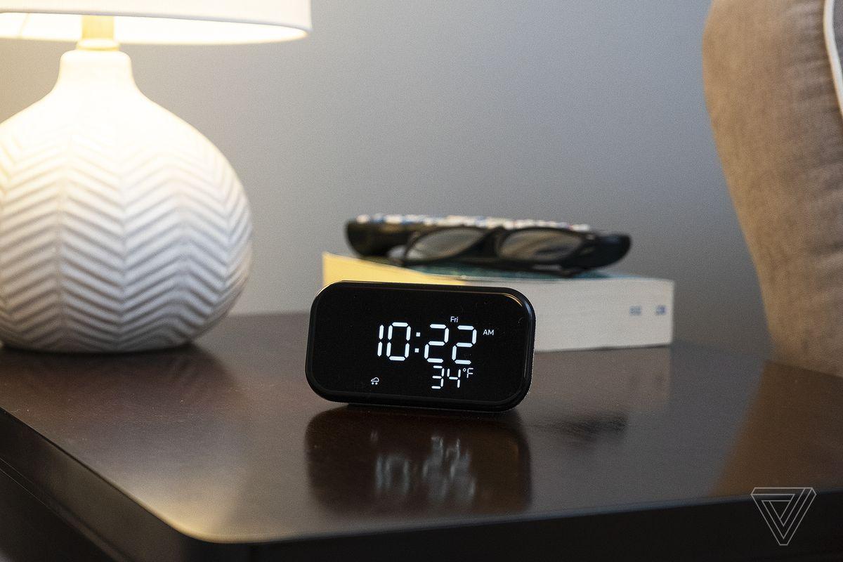Lenovo Smart Clock Essential review: a slightly smarter clock radio - The Verge