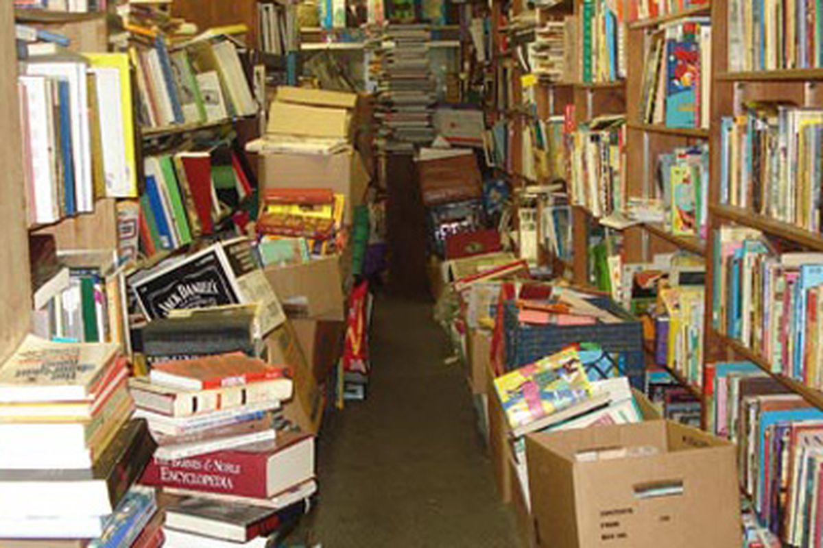 """Image via <a href=""""http://www.brokelyn.com/a-dusty-musty-guide-to-brooklyns-used-bookstores/"""">Brokelyn</a>"""
