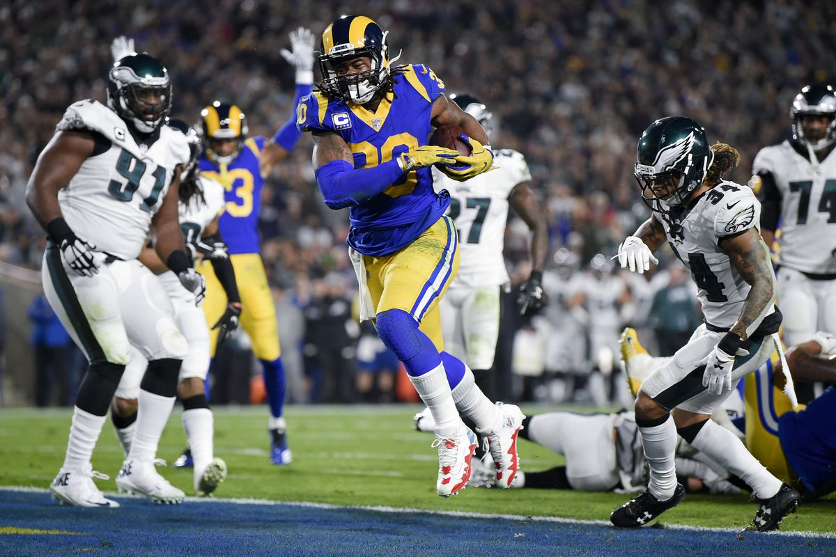 Los Angeles Rams RB Todd Gurley runs for a touchdown against the Philadelphia Eaglesin Week 15, Dec. 16, 2018.