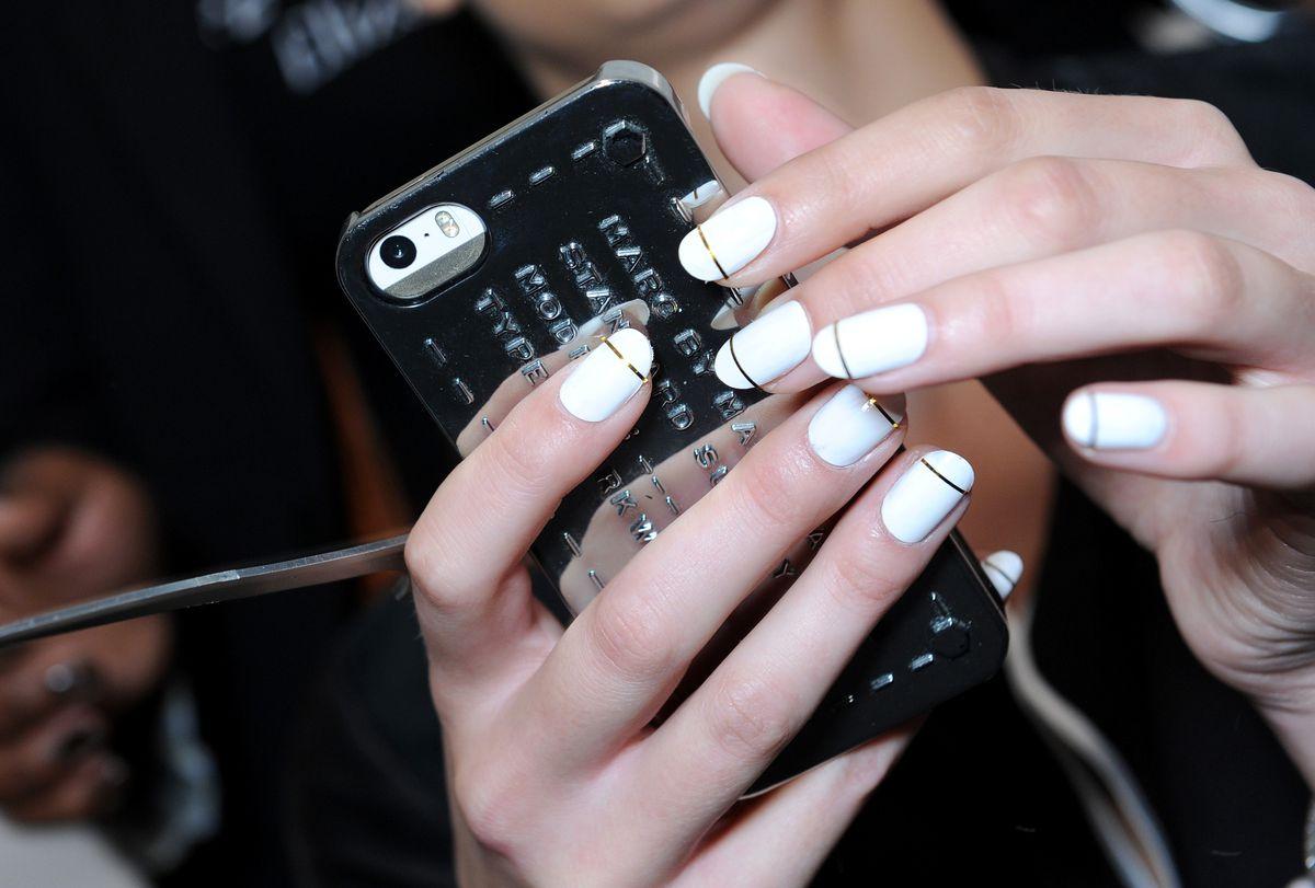 manicure fancy phone