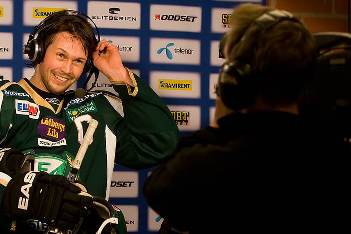 Rickard Wallin is all smiles as he announces his signing with Farjestads' Canadian outpost.