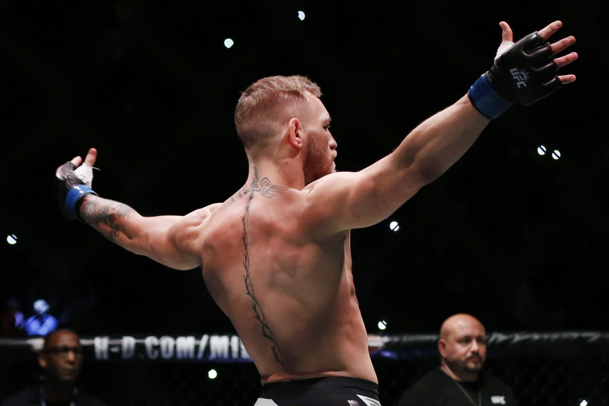 Chael Sonnen Says Conor Mcgregor Vs Floyd Mayweather Is