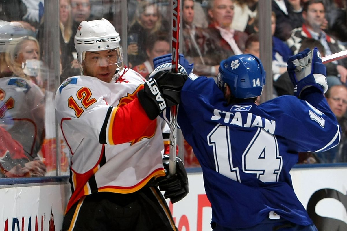 Game open chat: Maple Leafs vs. Flames