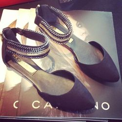 """Brazilian brand <a href=""""http://www.carrano.com"""">Carrano</a> feted the Oscars with free fancy footwear."""