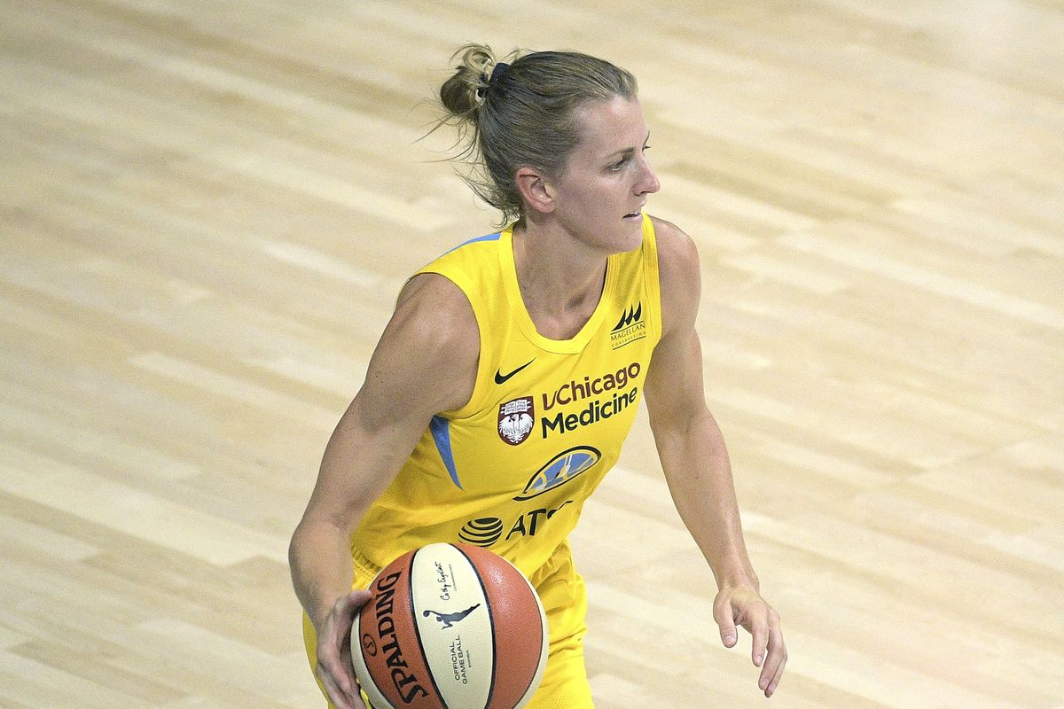 Sky guard Allie Quigley scored 20 points in Wednesday's win over the Mercury.