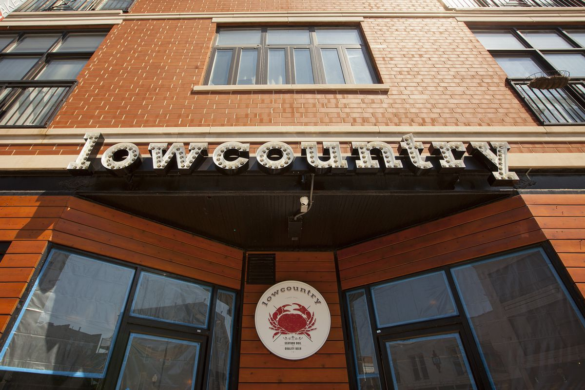 Lowcountry Seafood Restaurant Karaoke Wrigleyville Photos