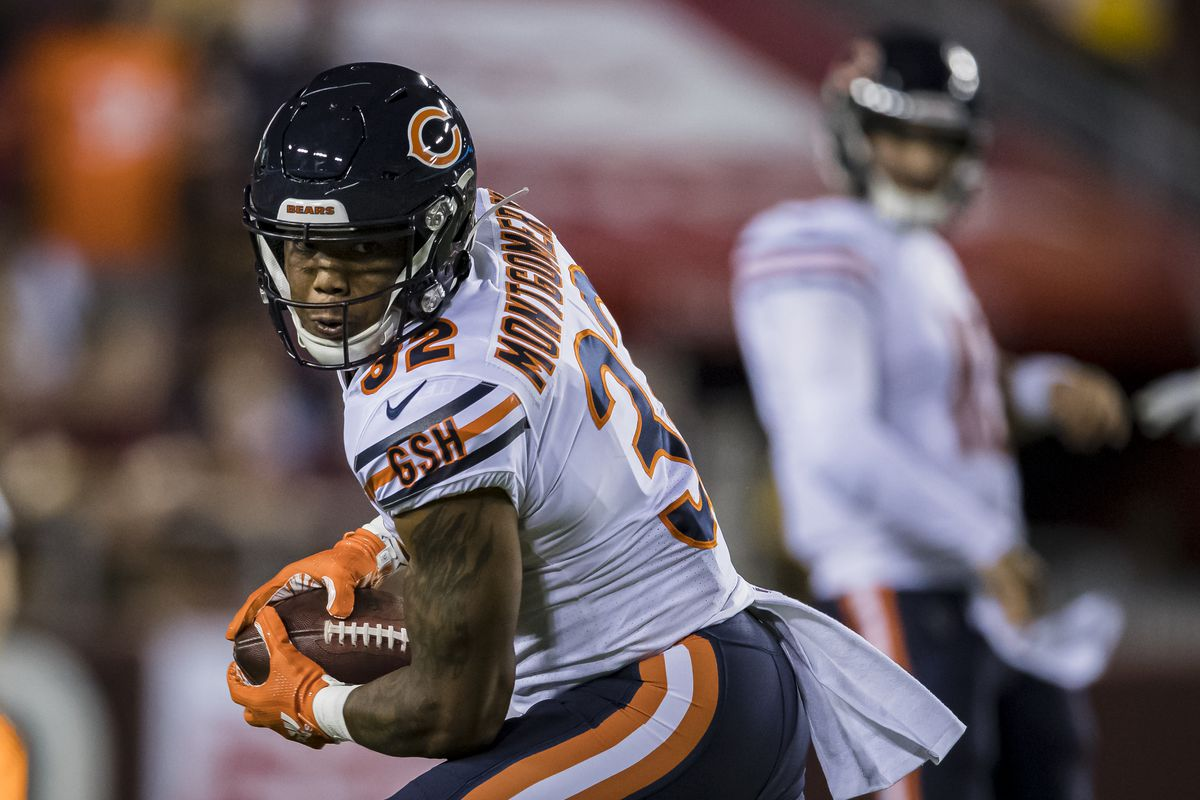 David Montgomery of the Chicago Bears catches a pass against Washington during the first half at FedExField on September 23, 2019 in Landover, Maryland.