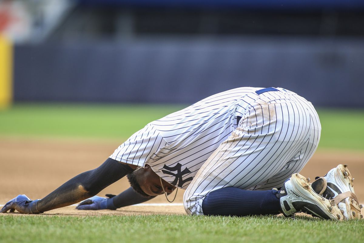 Didi Gregorius Leaves Yankees Game After Collision With Kendrys