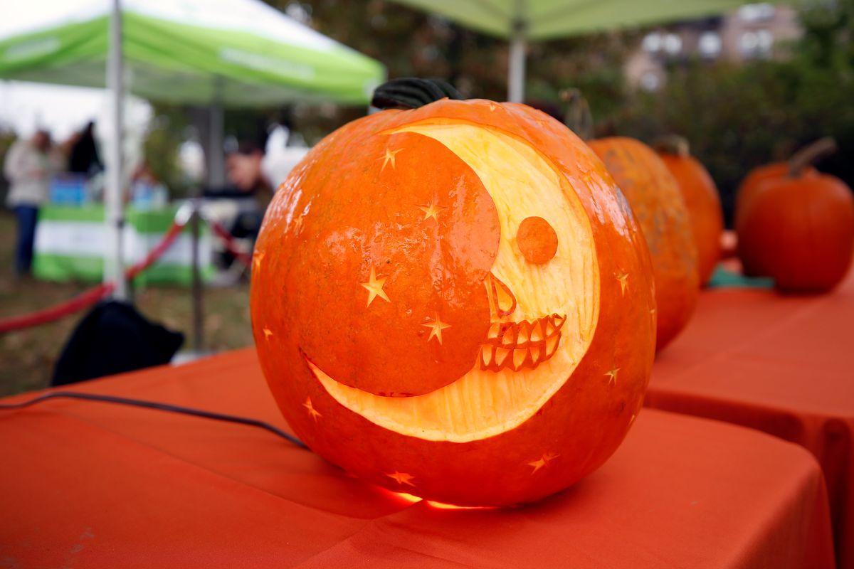 Pumpkin ornament event at the Central Park