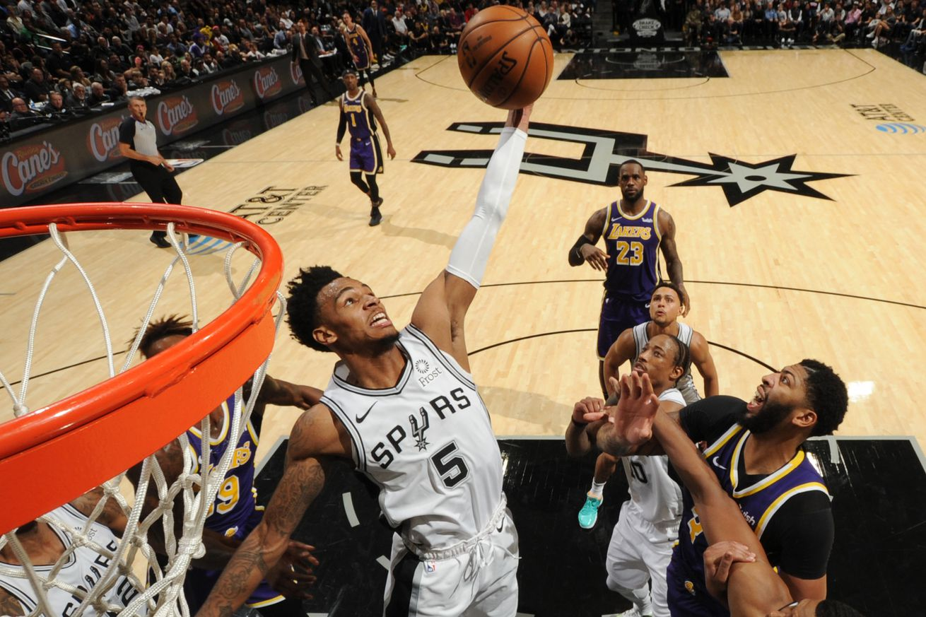 Los Angeles v San Antonio Spurs