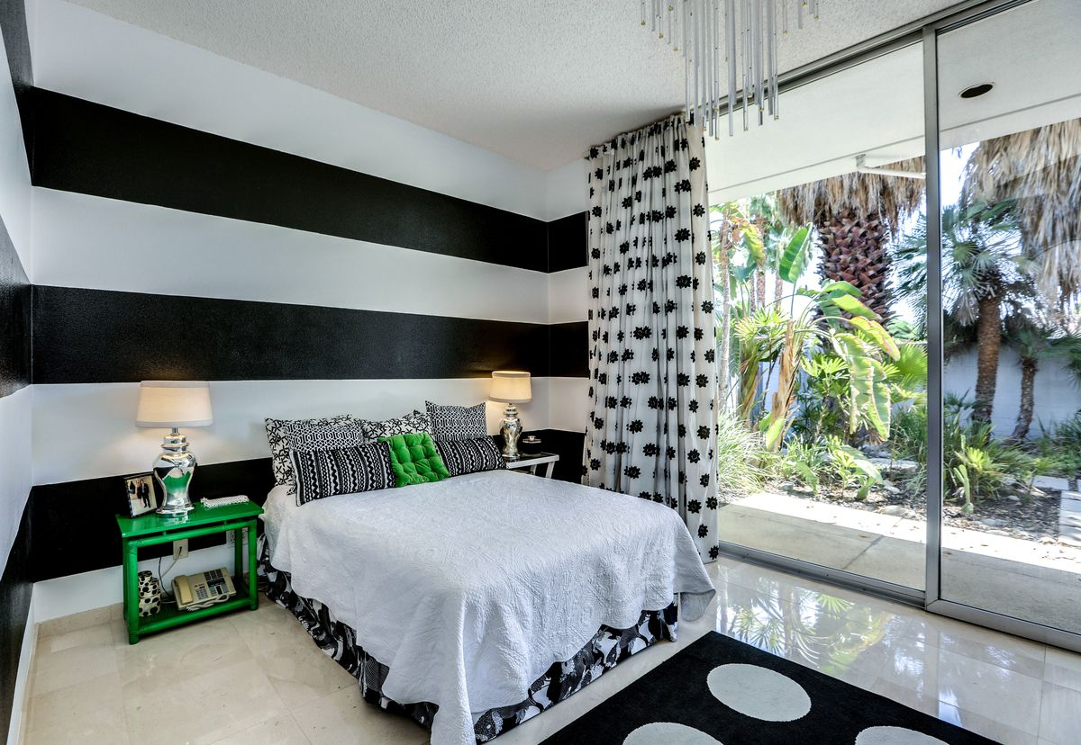 Bedroom with black and white color scheme