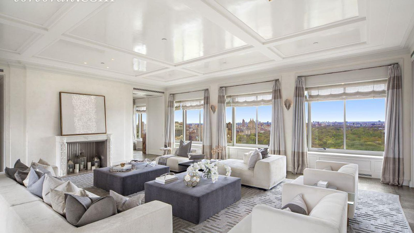 The Ritz S Versailles In The Sky Finally Finds A Buyer