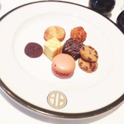 A quick coffee meeting at BG Restaurant with decadent little sweet treats.