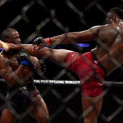Ovince Saint Preux lands a thunderous head kick to the jaw of Corey Anderson.