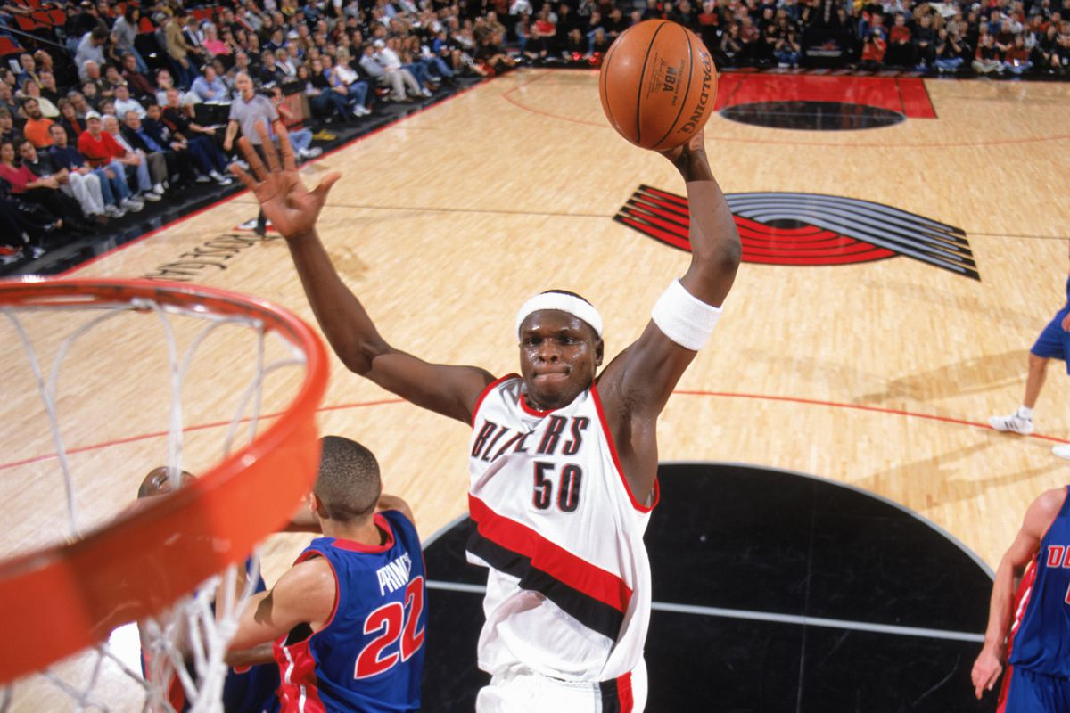 Zach Randolph goes for the dunk