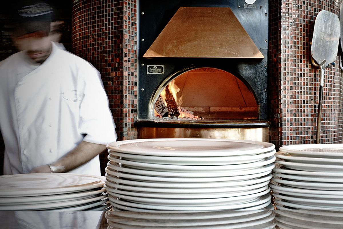 Can Downtown Montreal handle more wood-fired pizza?