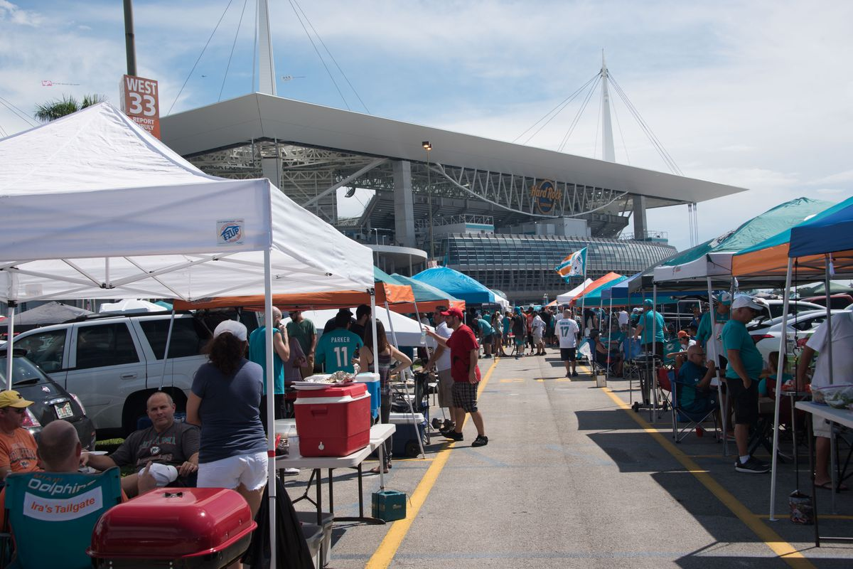 NFL: SEP 25 Browns at Dolphins